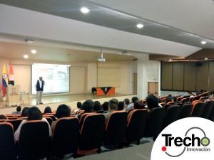 La presentación fue ante alumnos de Arquitectura y Diseño de la Universidad de San Buenaventura en Medellín.